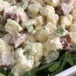 Aardappelsalade met gerookte kip: perfect op warme dagen