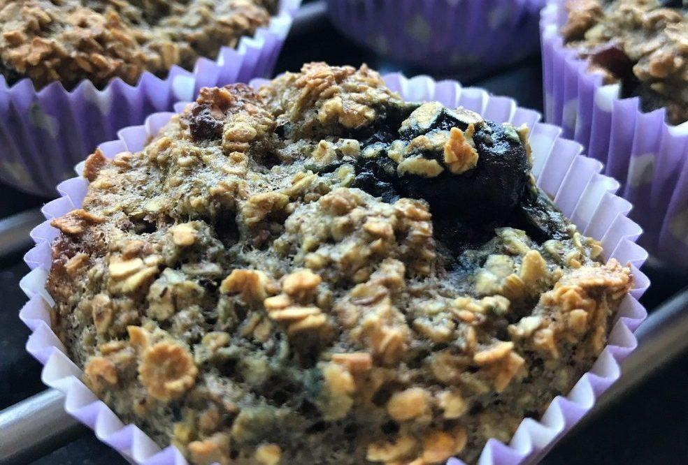 Gezonde ontbijtmuffins met blauwe bessen