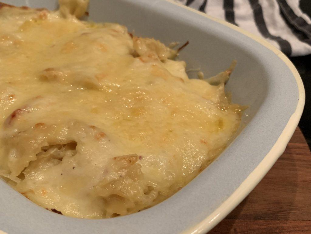 pasta met bechamelsaus, witte kool en spekjes