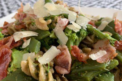 Pasta pesto met snijbonen en broccoli