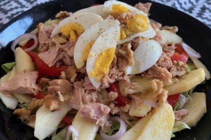 eenpersoons maaltijdsalade met tonijn