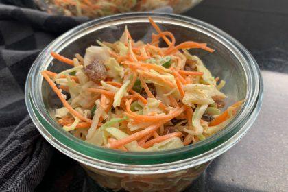 coleslaw recept met wortel en rozijnen