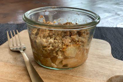 Apple crumble ontbijt-potjes met havermout recept