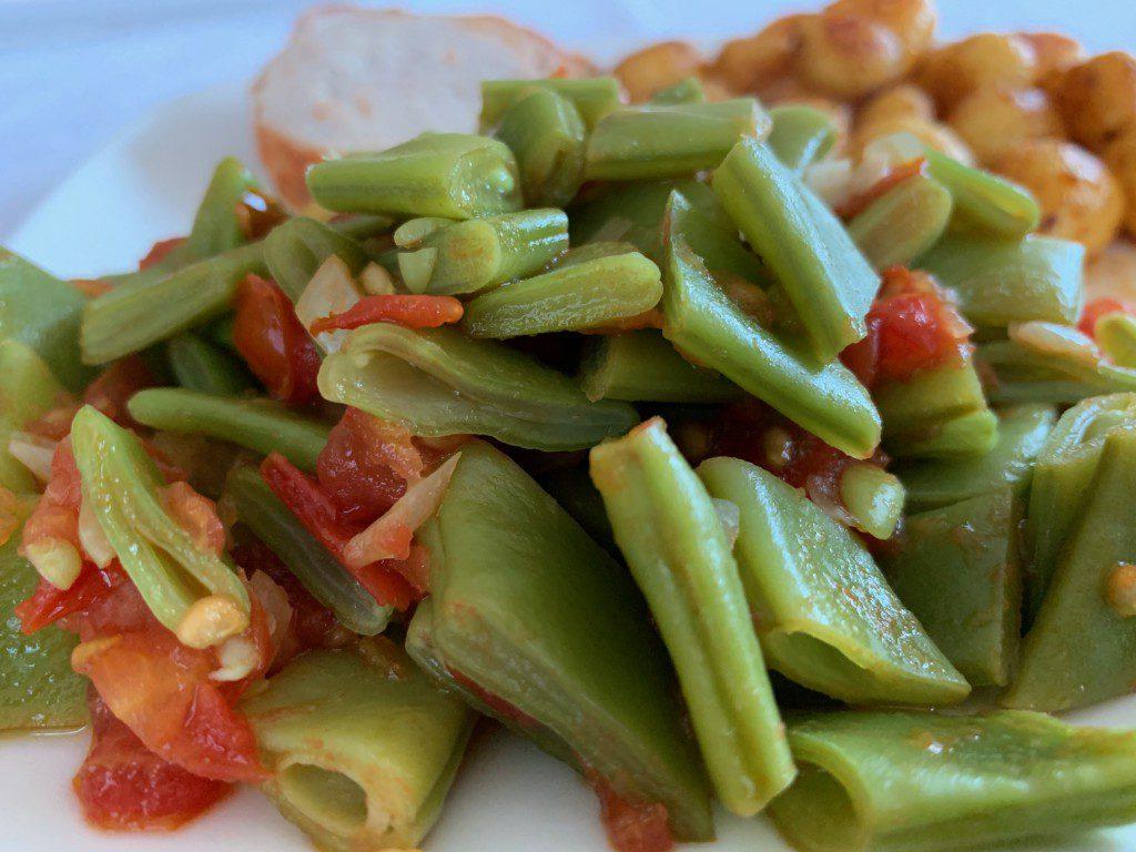 Snijbonen met tomaat en ui recept