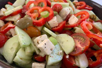 Griekse rauwkost salade foto