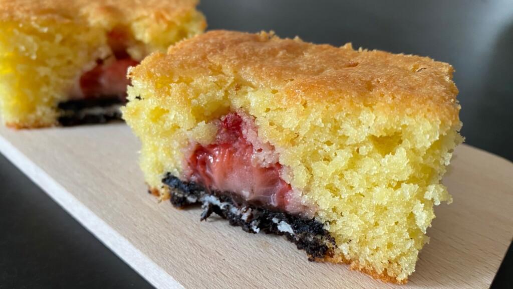 Cake met aardbeien en Oreo's foto