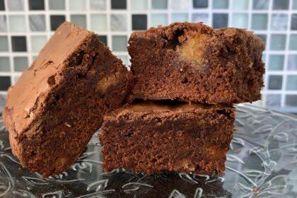 Brownies met bitterkoekjes foto