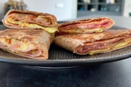 Pizza wraps uit de koekenpan foto